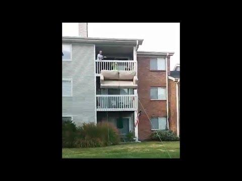 incredibile metodo per traslocare dalle finestre del secondo piano!