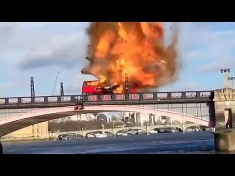 Λονδρέζικο διώροφο λεωφορείο τινάζεται στον αέρα!