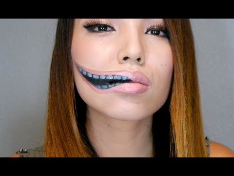 Creepy Stretched Lips Make-up ( Halloween 2013)