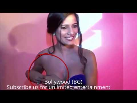Wardrobe Malfunctions 2017    Oops Moment In Bollywood  HD VIDEO    Bollywood Gossipp