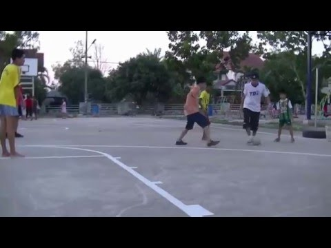 KOZ - TS2 (Thailand Street Style) Tour Suphapong Village 26 May 2014 (видео)