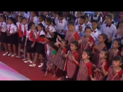 Walking In The Light - Children Dance Along With Praise & Worship Team