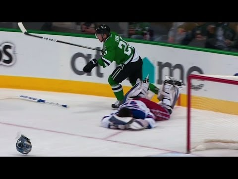 Video: Gotta See It: Eakin sends Lundqvist's helmet flying with massive hit