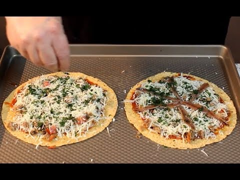 Low carb diet - Delicious Low-Carb Pizza!  (10 carbs for the whole Pizza!)