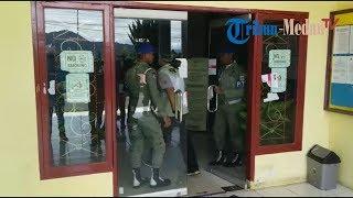Download Video Pasca-OTT Bupati, KPK Geledah Kantor Dinas PU Pakpak Bharat MP3 3GP MP4