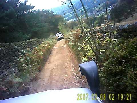 Peaks 2011 005.AVI shogun/pajero/green lane
