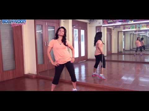steps - This summer, pump up the heat with some groovy dance steps from one of the season's hottest dance numbers- Baby Doll. Join the super energetic Ria Rele as sh...