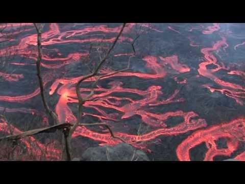 piton de la fourniase: eruzioni e fiumi di lava spettacolari!