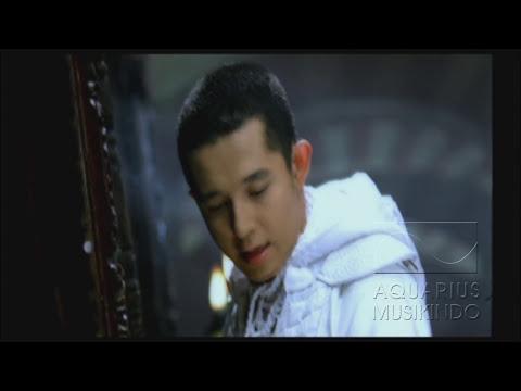 Melly Feat Amee - Ketika Cinta Bertasbih   Official Video