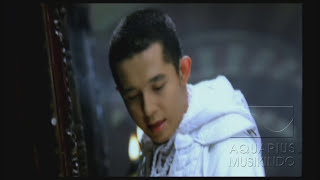 Video Melly Feat Amee - Ketika Cinta Bertasbih | Official Video MP3, 3GP, MP4, WEBM, AVI, FLV Maret 2019