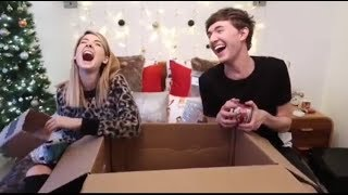 Video Zoe and Mark Try Not To Laugh Challenge (IMPOSSIBLE) MP3, 3GP, MP4, WEBM, AVI, FLV Juli 2018