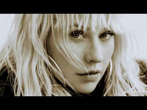 Christina Aguilera - Fall In Line (Solo Version)