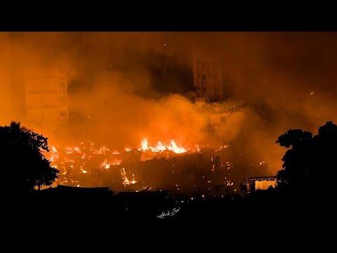 Χιλιάδες άστεγοι από καταστροφική πυρκαγιά
