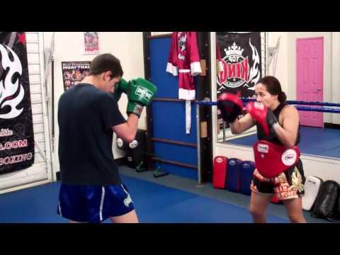 Muay Thai Hermosa Beach | Free Intro Kickboxing Class in Hermosa and Redondo Beach (310)376-1602