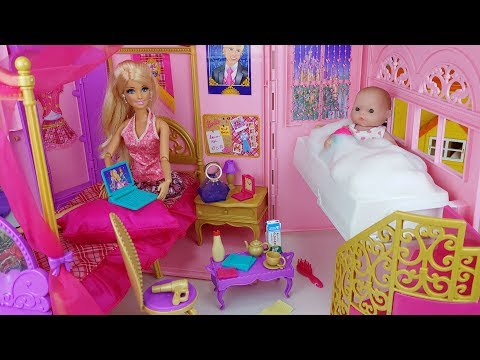 Baby doll and Barbie bag house toys baby sitter kitchen play - 토이몽
