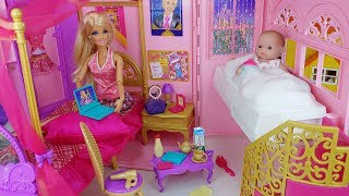 Video Baby doll and Barbie bag house toys baby sitter kitchen play - 토이몽 MP3, 3GP, MP4, WEBM, AVI, FLV Juni 2019