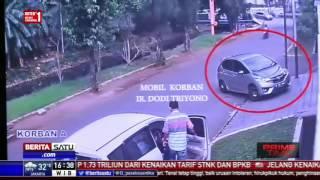 Video Polda Metro Jaya Rilis Rekaman CCTV Perampokan Pulomas MP3, 3GP, MP4, WEBM, AVI, FLV Oktober 2017