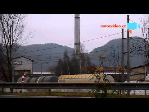 Pád komínu v Ústí nad Labem