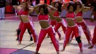Download Lagu Dancing Dolls hip hop stands Mp3
