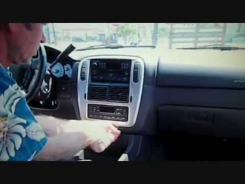 Mercury Mountaineer Stereo Removal 2002-2005 (видео)