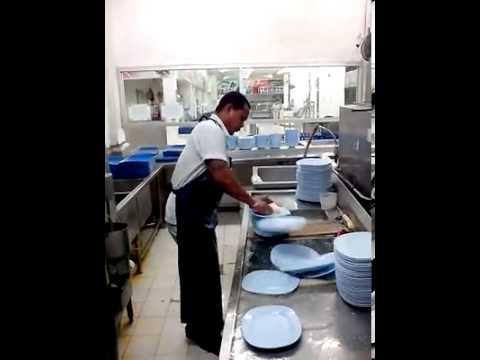 come lavare 50 piatti in 10 secondi!
