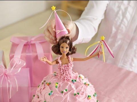 como hacer pasteles - How to make a princess cake En el cumpleaños de cualquier niña con seguridad le encantará este mágico pastel de princesa, con una verdadera muñeca con la que...