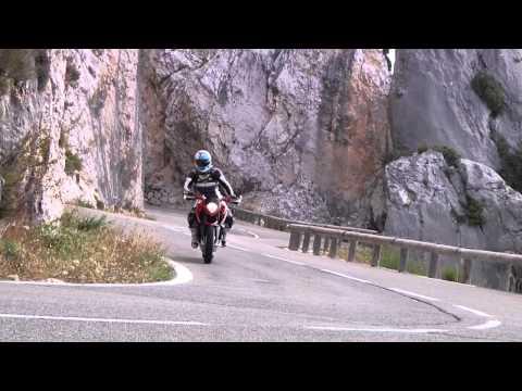 Prueba MV Agusta Rivale 800