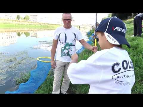 A Firenze, a Scuola di pesca coi bambini sull'Arno (Colmic)