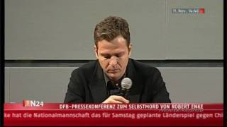 Oliver Bierhoff weint um Robert Enke