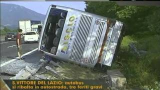 Incidente autobus in autostrada