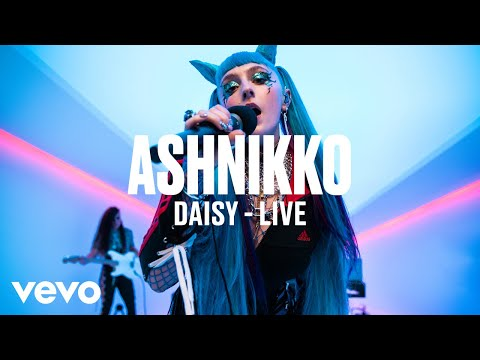 Ashnikko - Daisy (Live) | Vevo DSCVR