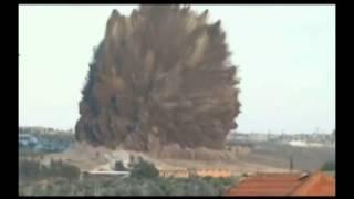 Video ledakan dahsyat 60 ton bom pejuang suriah MP3, 3GP, MP4, WEBM, AVI, FLV Juli 2018