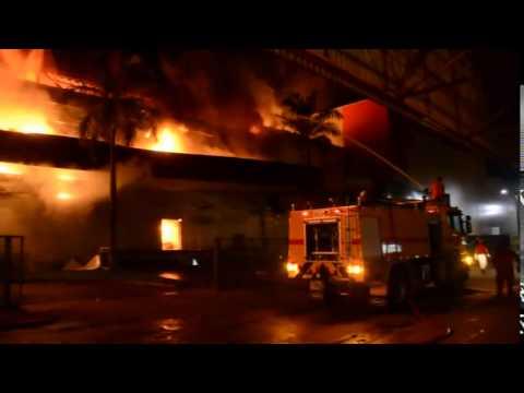 TRAGÉDIA: Park Shopping Vilhena é consumido pelo fogo