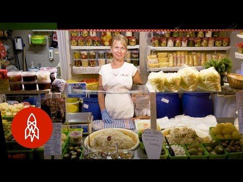 Behold the Cornucopia of Budapest's Great Market Hall_Magyarország, Budapest. Heti legjobbak