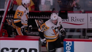 Elliotte Friedman talks about Sidney Crosby's performance so far in Game 5, and how a recent study on concussions may shake what we think we know about them.