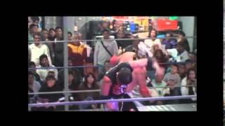 Pentagón Jr. gana la cabellera de Arez en el 3er aniversario de la Arena Fusión