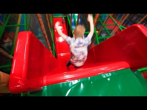 Busfabriken Indoor Playground Fun for Family and Kids (part 1 of 2) (видео)