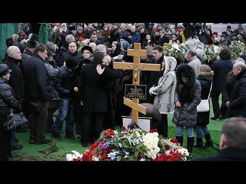Boris Nemtsov için Moskova'da cenaze töreni düzenlendi