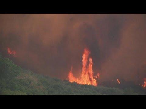 Απώλεις και καταστροφές καταγράφουν οι αρχές στη βόρεια Καλιφόρνια…