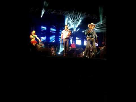 Show com Gilson Marques e Agnaldo e Banda. Em São José dos Quatro Marcos.