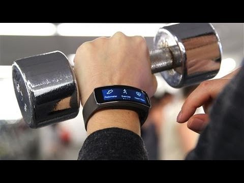 Samsung Gear Fit Review: Smartwatch Gets In Shape