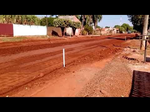 Avança execução de asfalto em rua do bairro da Serraria em Aquidauana
