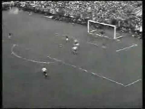 Alemania sorprende al mundo y gana en la final a la Selección de Hungria en la final del Mundial Suiza 1954