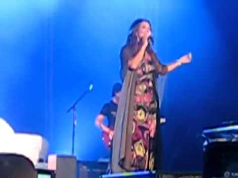 Helene Segara Ou que j aille en concert a Chalon en Champagne
