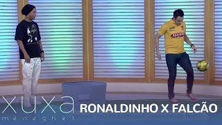 Ronaldinho Gaúcho e Falcão se enfrentam em desafio do lixo