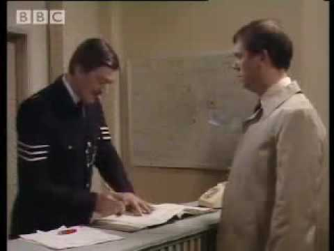 Funny Hugh Laurie &Stephen Fry comedy sketch! \'Your name, sir