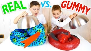 Video REAL VS GUMMY FOOD CHALLENGE - Trucs réels ou Bonbons ? MP3, 3GP, MP4, WEBM, AVI, FLV Juli 2017