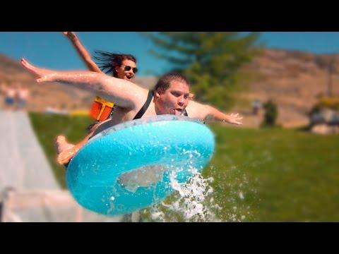 超歡樂滑水道~就算只有小小充氣游泳池,還是讓人很想一起玩啊!