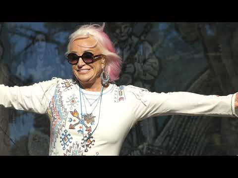 Tanya Tucker at Golden Gate Park 2019-10-04 STRONG ENOUGH TO BEND