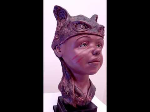 Escultura em barro / argila menino 'Yariri'